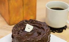 カフェ・アフターユー祝10周年記念特別ケーキ販売中~!
