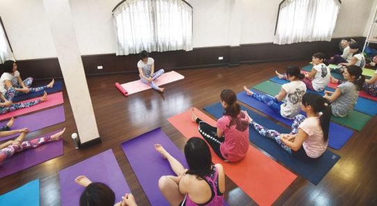 ヨガ、呼吸法、瞑想を深く学べる! ヨガインストラクター講座