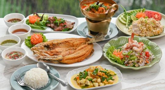タイ料理の人気メニューが 全部食べられるファミリーセット登場